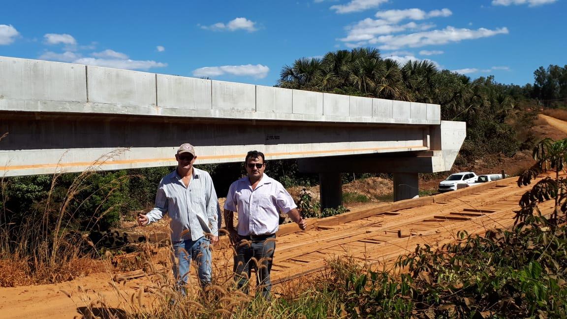 Aterro da Ponte de concreto do Córrego da Onça