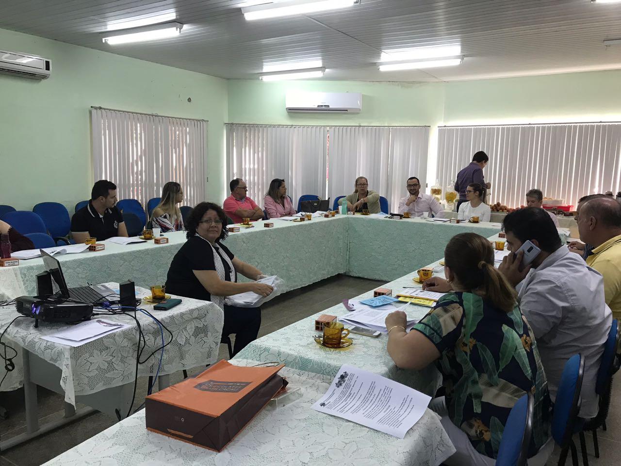 Valter Basili participa de reunião do Conselho de Gestores Municipais de Saúde