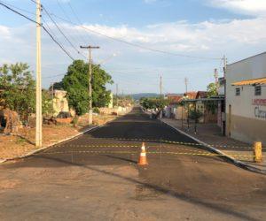 Lama Asfáltica avança nas  Ruas de Guiratinga