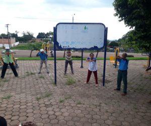 PSF-III e NASF coordenam atividades físicas e aferição de pressão na Praça Elevada.