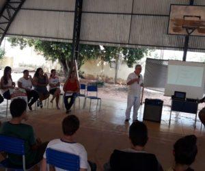 Saúde Municipal firma parceria com escola de Vale Rico no combate a Dengue, Shikungunya, Zika Virus e Leishmaniose